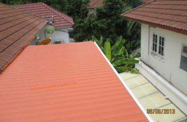 กันสาดไวนิล สีส้มอิฐ โครงเหล็ก+รางน้ำฝนไฟเบอร์กลาส