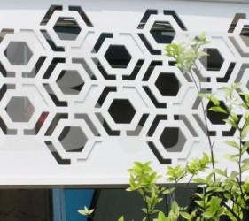 แผงบังตาไวนิล, ฉลุลาย ,รังผึ้ง